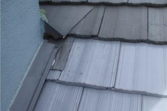 外壁との立ち上がり部分は雨仕舞の板金やシール材を活用