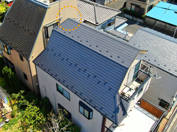 棟板金交換と屋根塗装後のドローン撮影