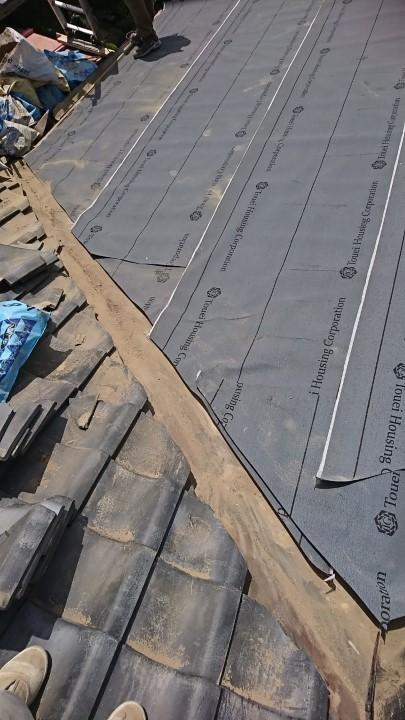 三郷市で雨漏りをしている瓦屋根の葺き直し工事を行いました