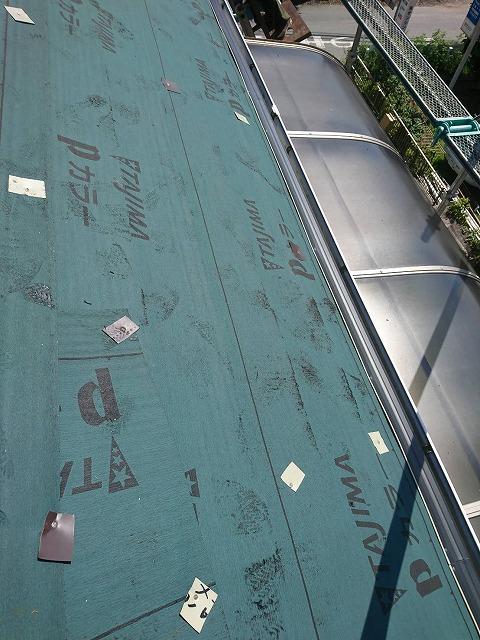 越谷市で老朽化のため屋根の葺き替え工事をいたしました!屋根工事の施工内容をご紹介をいたします