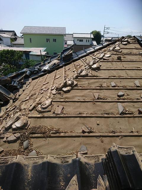 屋根解体作業