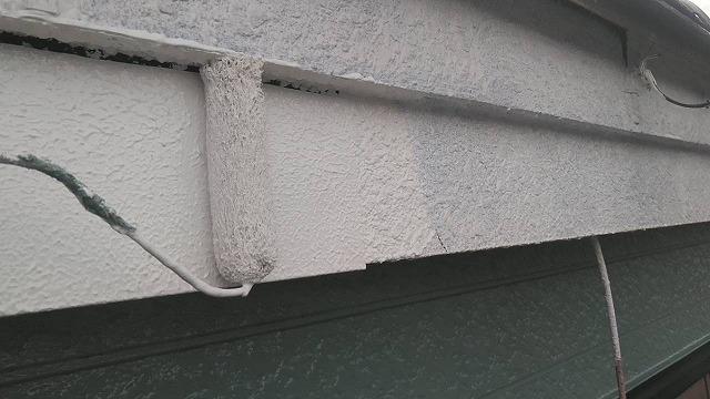 春日部市で屋根外壁塗装がおわったので破風塗装雨戸塗装をしました