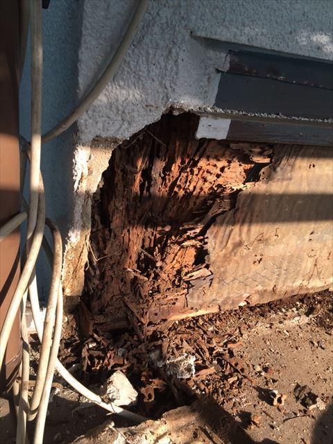 埼玉県越谷市の下屋根瓦棒剥がしとモルタル斫り作業