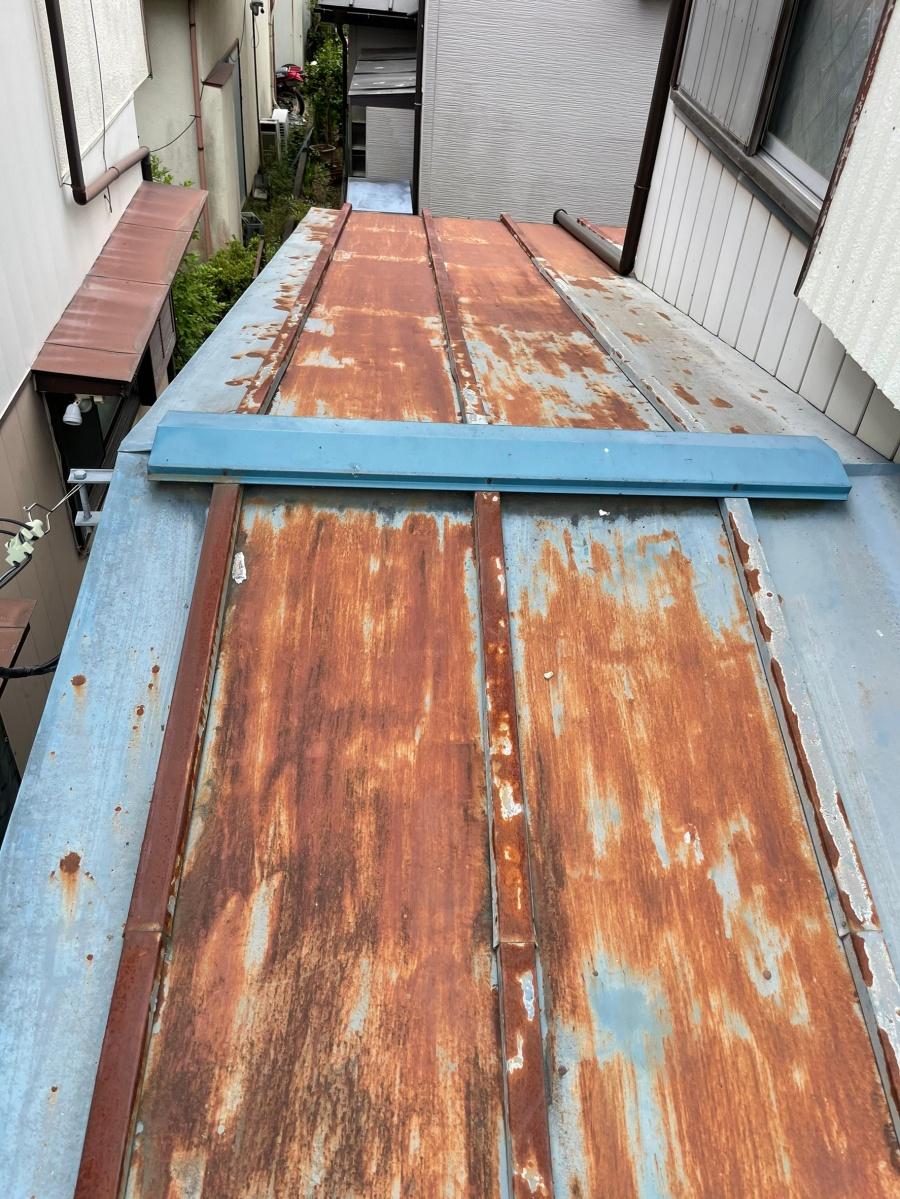 川口市で屋根葺き替え工事の現地調査
